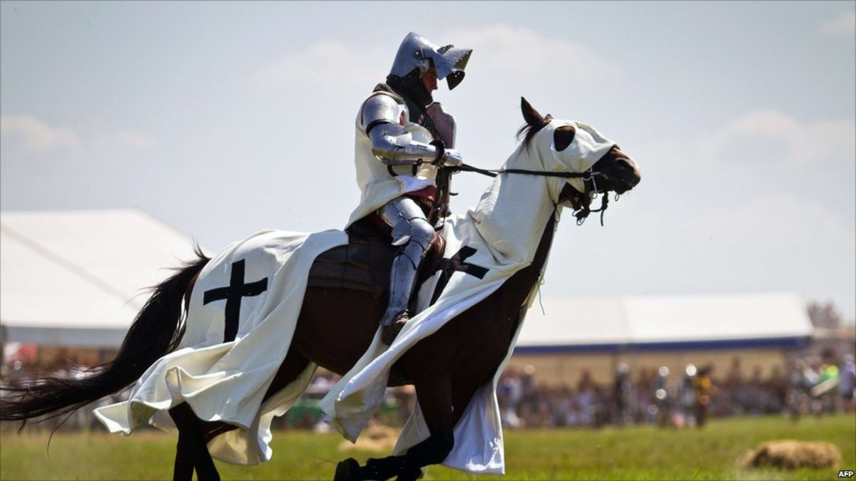 A mounted knight in full armor.