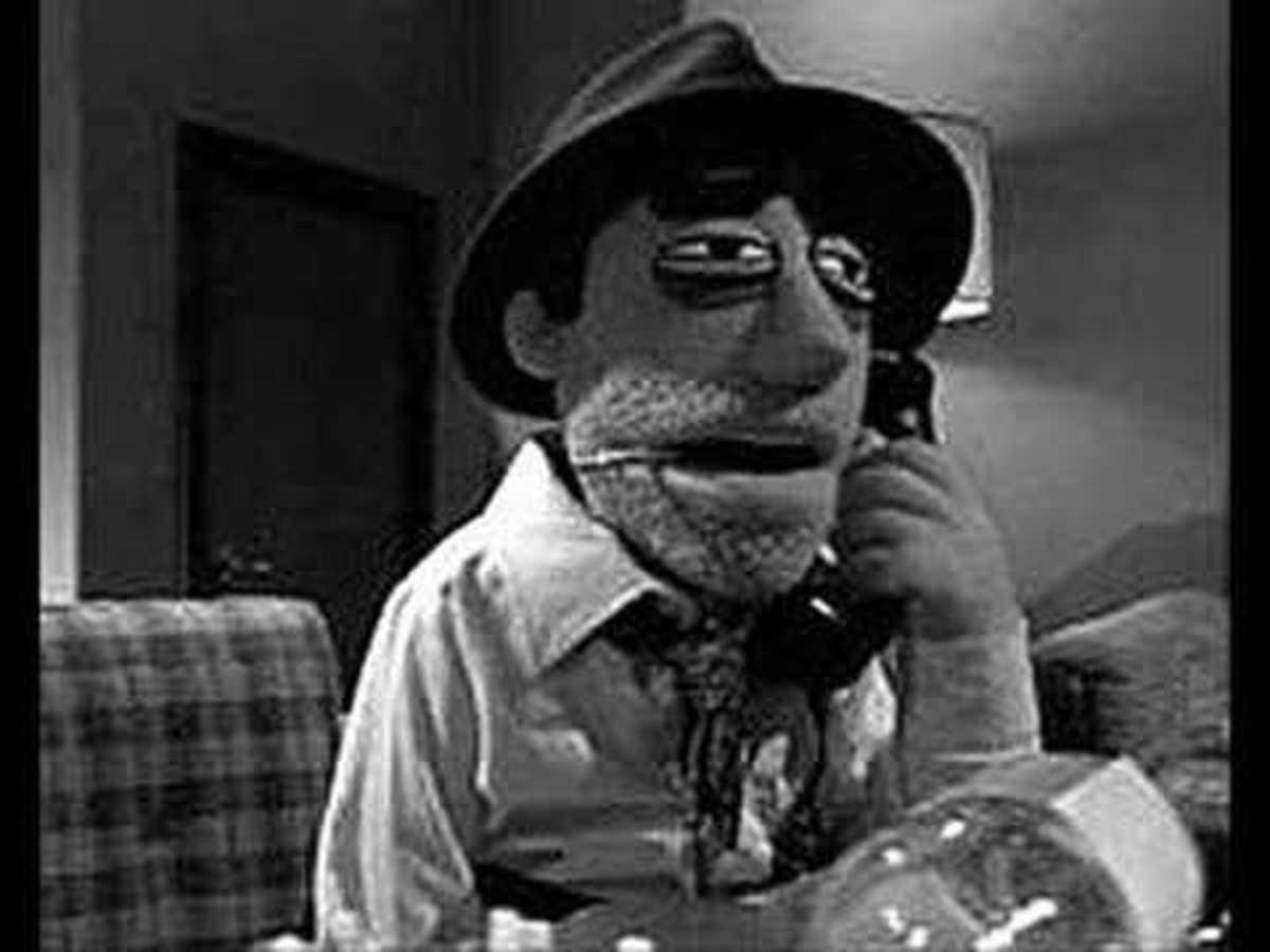 Seth McFarlane as Dick Rogers. 1940s aesthetics meets Modern Day entertainment. Hilarious.