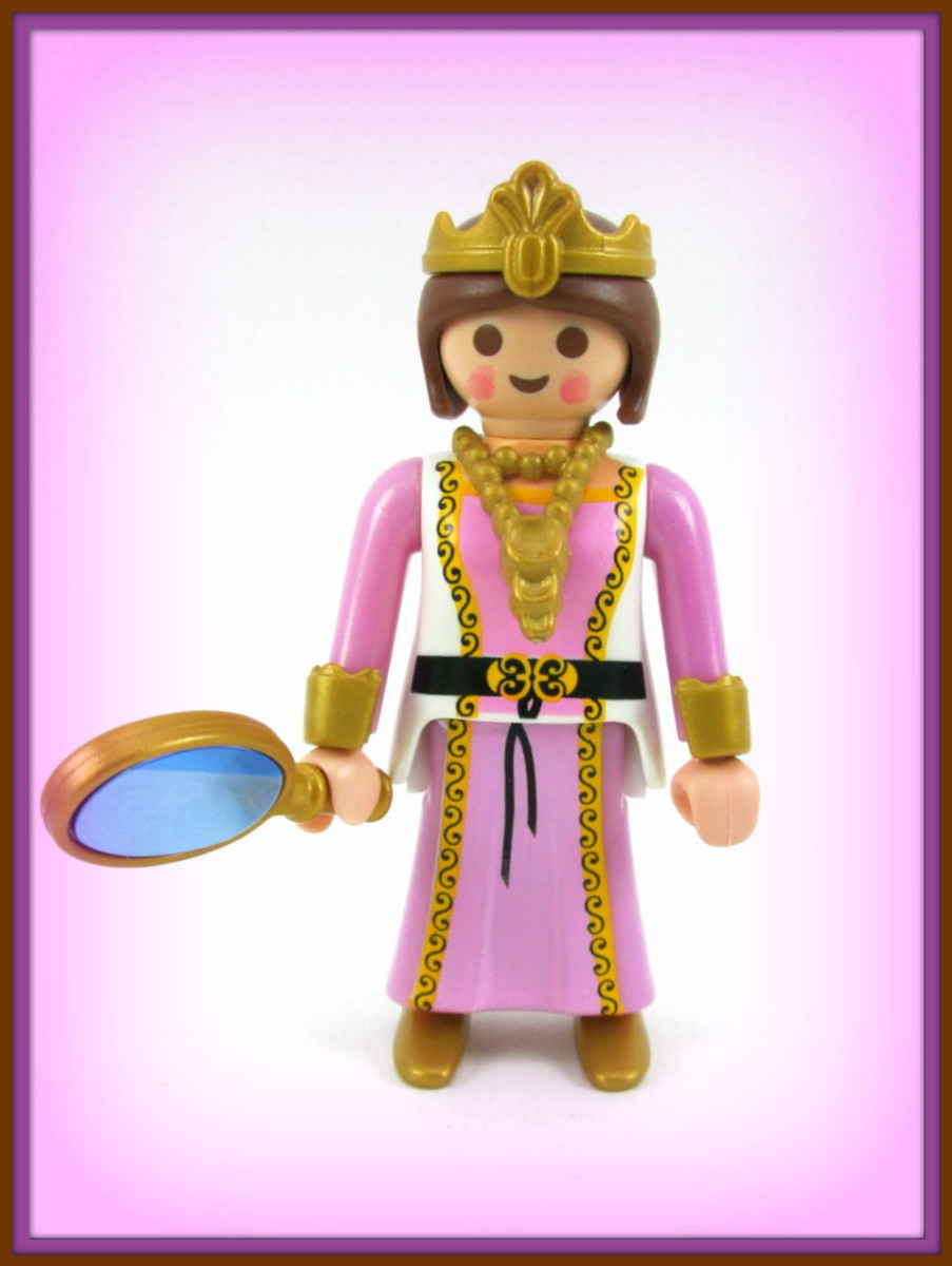 Playmobil Medieval Princess or she could be a Queen with a beautiful gold crown and a necklace, and the mirror is really a working mirror, She has great accessories ...