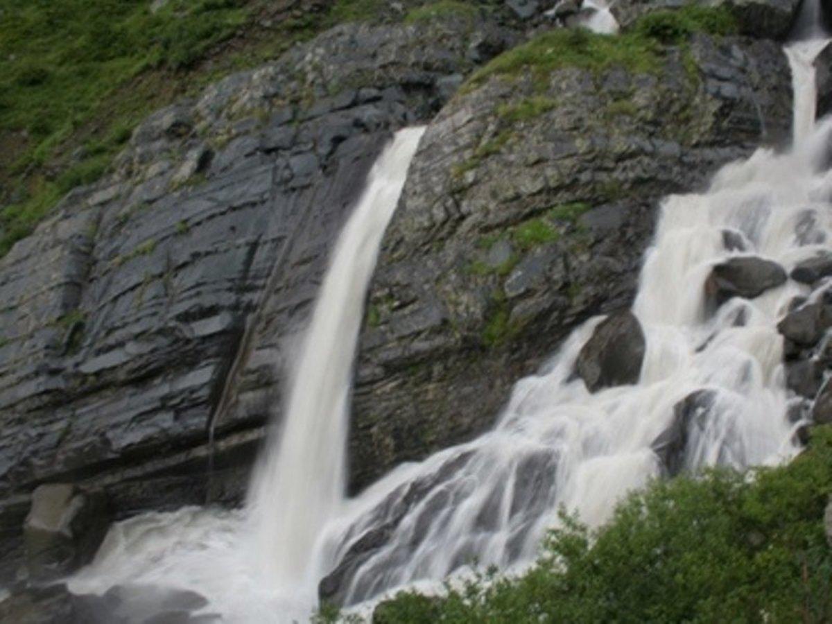 Dhancho Waterfall