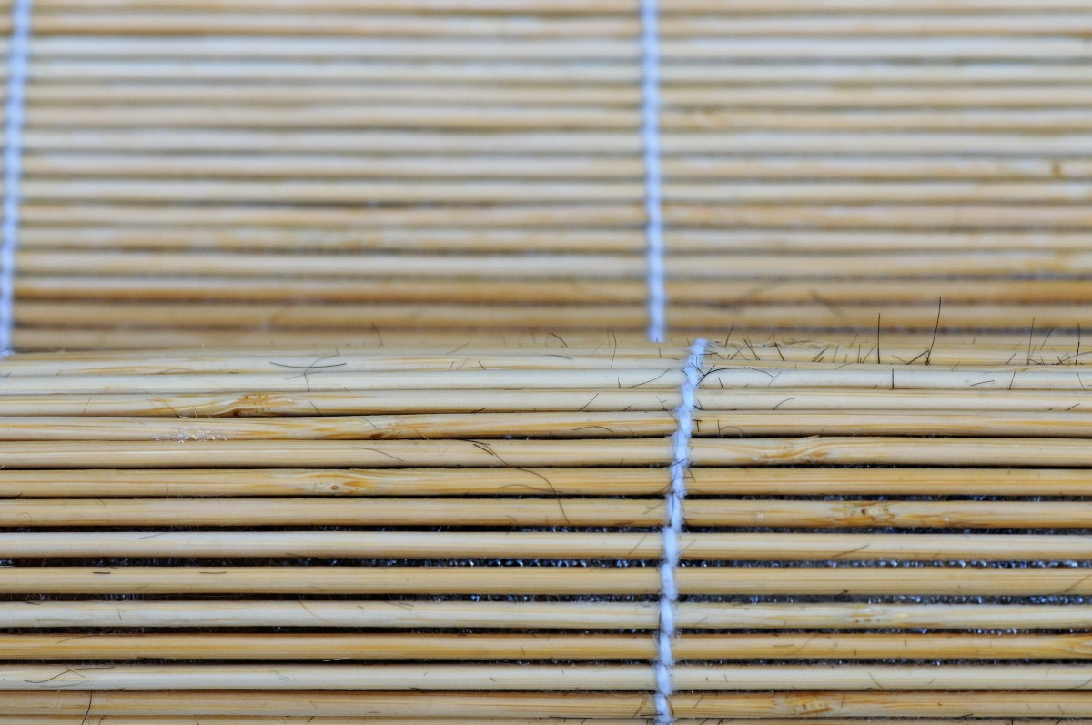 Roll the test swatch of dog hair inside the bamboo blind.