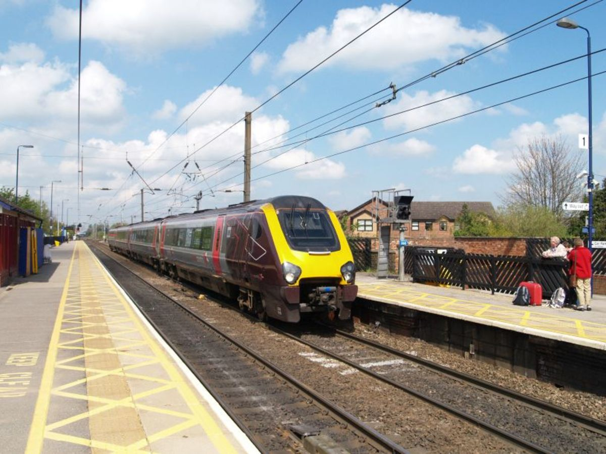 A ground-breaking design: HST Class 220 coasts into Northallerton with a cross-country train from Newcastle-upon-Tyne for the West Country (Exeter/Penzance). Since privatisation in the 1990s ECML train services have seen off at least three operators