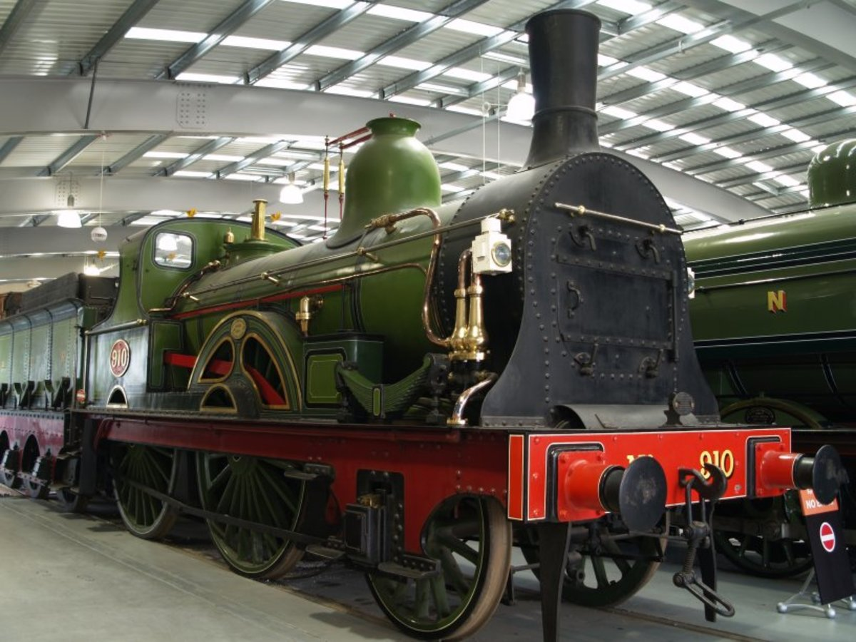 In the National Railway Museum at York we see an early North Eastern 2-4-0 express locomotive that would still have pulled four-wheeled carriages, although six-wheeled carriages also made an appearance on the scene