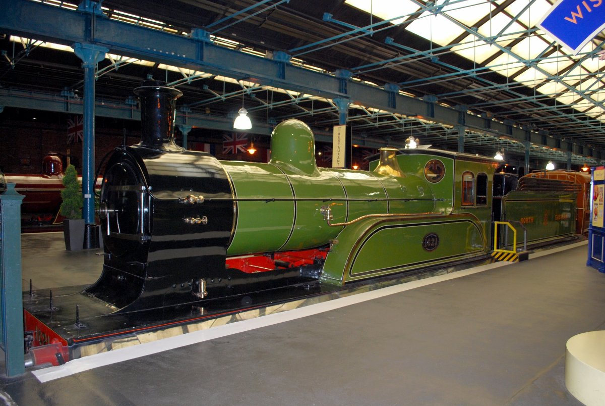Wilson Worsdell followed brother Thomas to the Locomotive Superintendent's office late in the 19th Century. By the time his Class M1 4-4-0 was introduced carriages were heavier bogie vehicles and four wheels were well and truly relics of the past