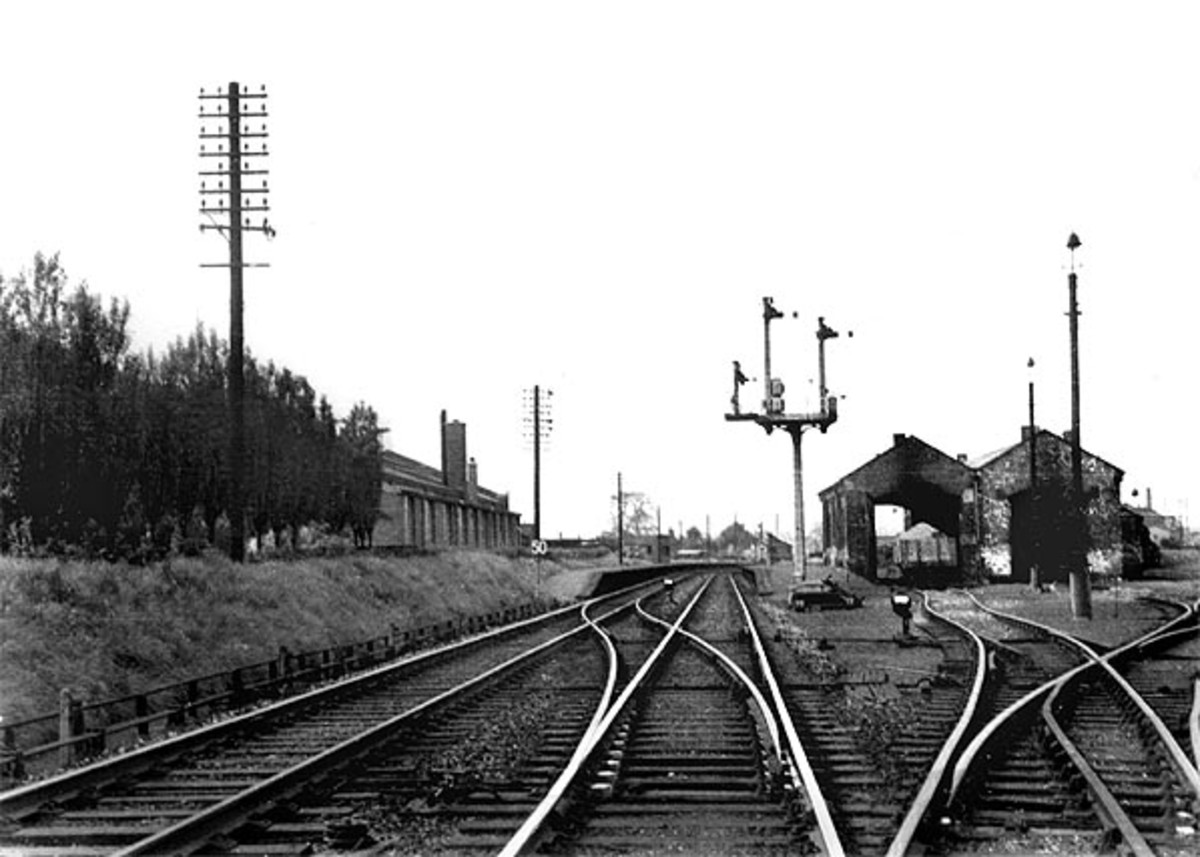 The emergency low level platforms seen next to the motive power depot (51J) in 1955, early British Railways days, when thirteen steam locomotives were shedded here