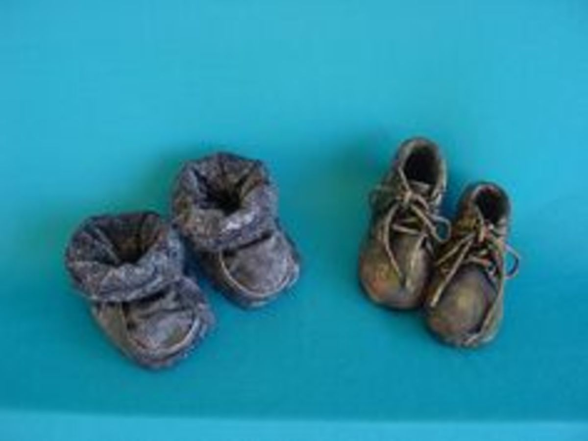 Baby shoes can also be preserved using Paverpol