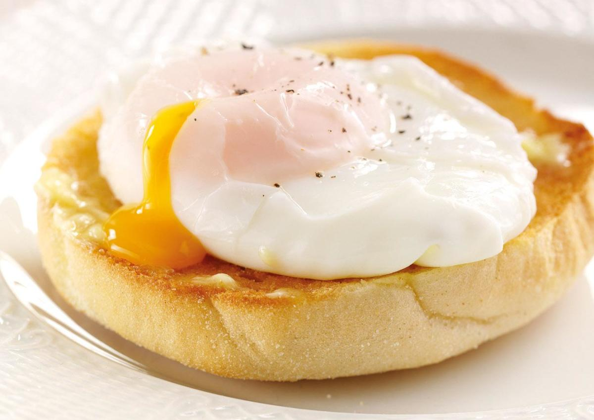 Poached eggs are a great way to add to your daily protein requirements.
