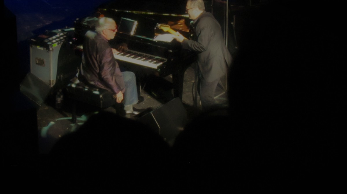 Bob James on keyboards and Chuck Loeb, create a pure get down jazz session during the show.