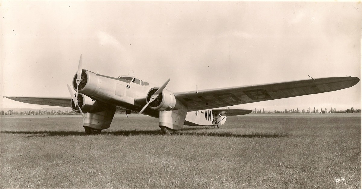 Dewoitine 333, a French trimotor aircraft.