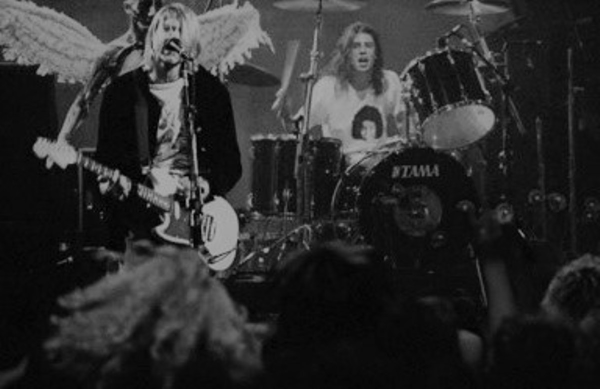 It can be argued that Nirvana is on of the greatest alternative rock bands of all time. This short lived (grunge) alternative rock band was based in Seattle. New alternative music is impossible to compare to 90's alternative.