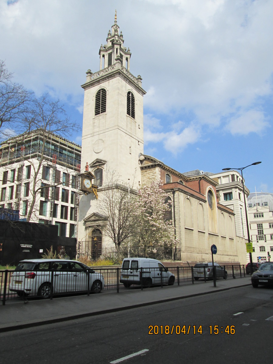 Further along Upper Thames Street is St James Garlickhythe (where garlic was unloaded from river vessels). This is the view east to the tower, the church flank facing the street (there are no roads in the City, only streets) .