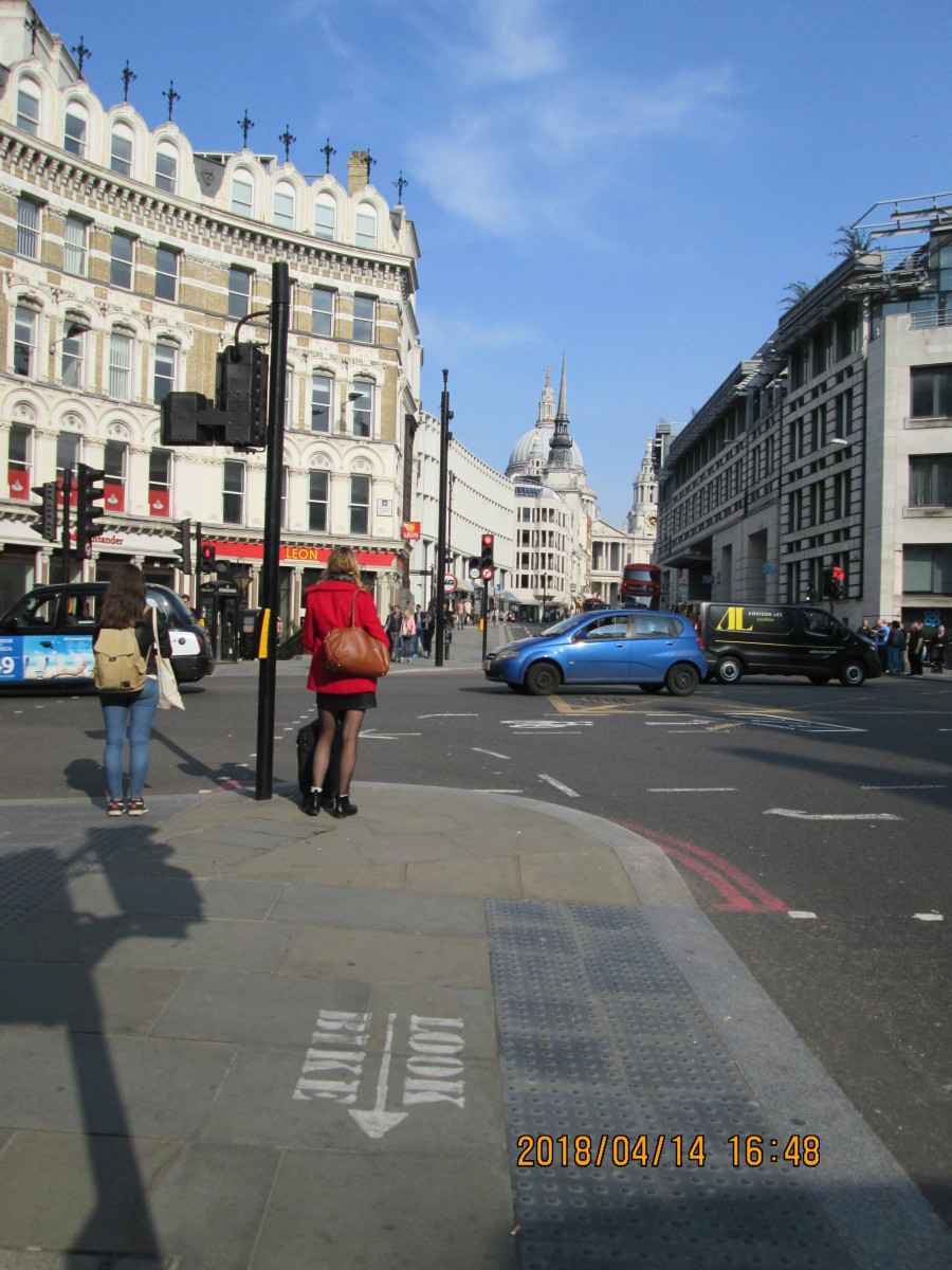 Ludgate Circus at the junction of Fleet Street (behind me), New Bridge Street (right), Farringdon Street (left) and Ludgate Hill (ahead). Compare with the picture below. Railway bridge demolished 1990-91 (Thameslink line diversion)