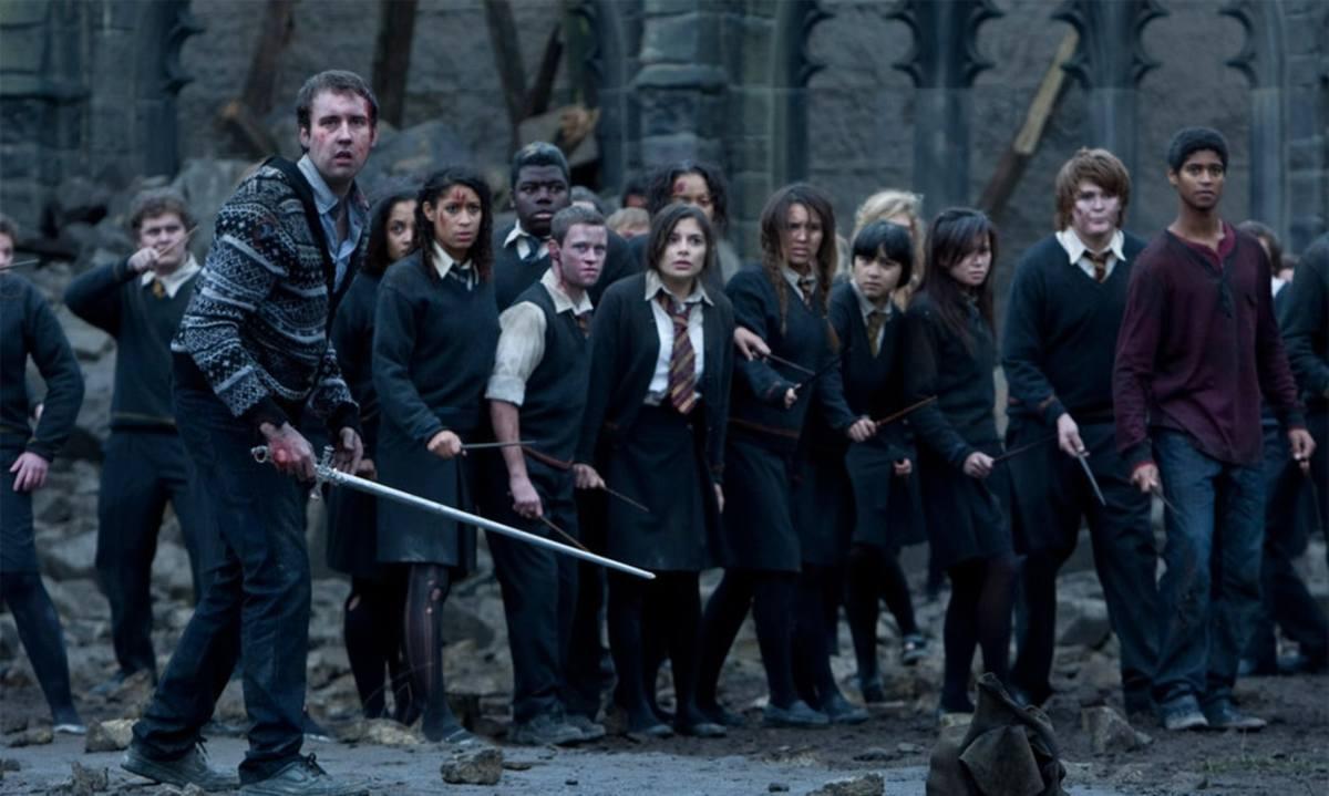 A scene in the Battle of Hogwarts.