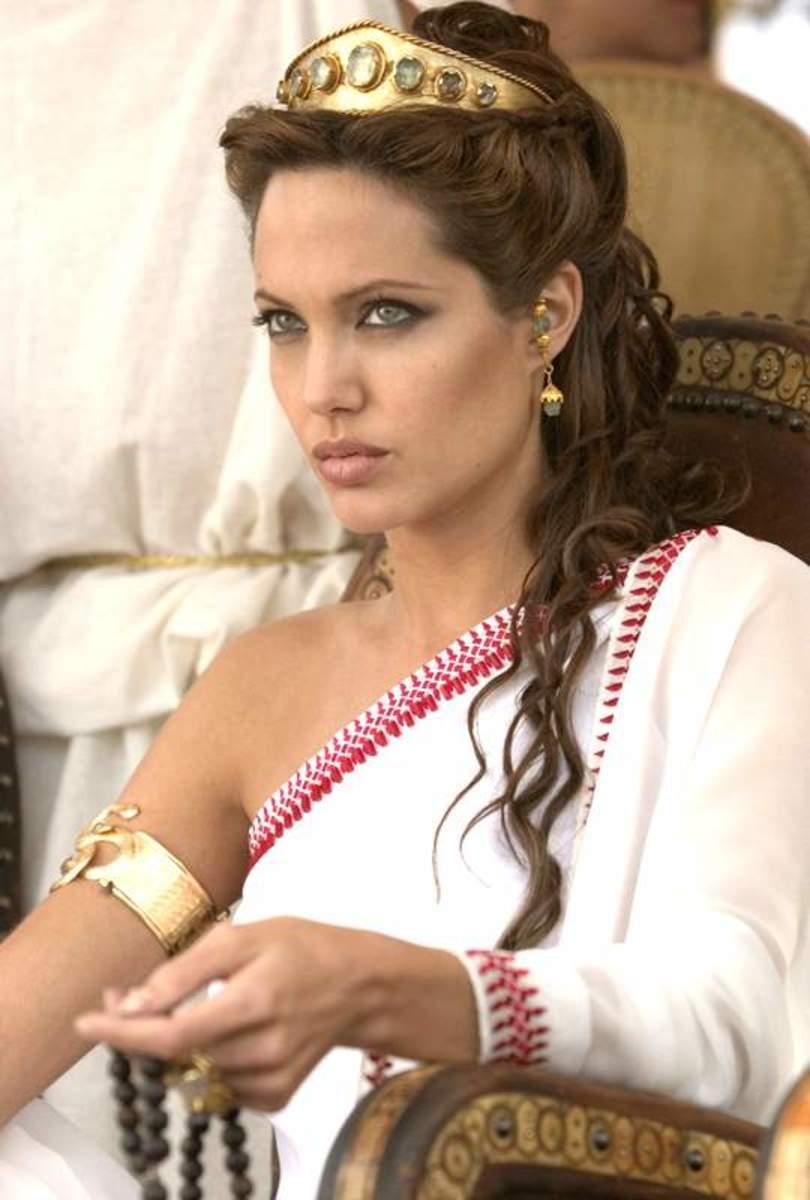 Angelina Jolie will be the next actress to portray Cleopatra VII.