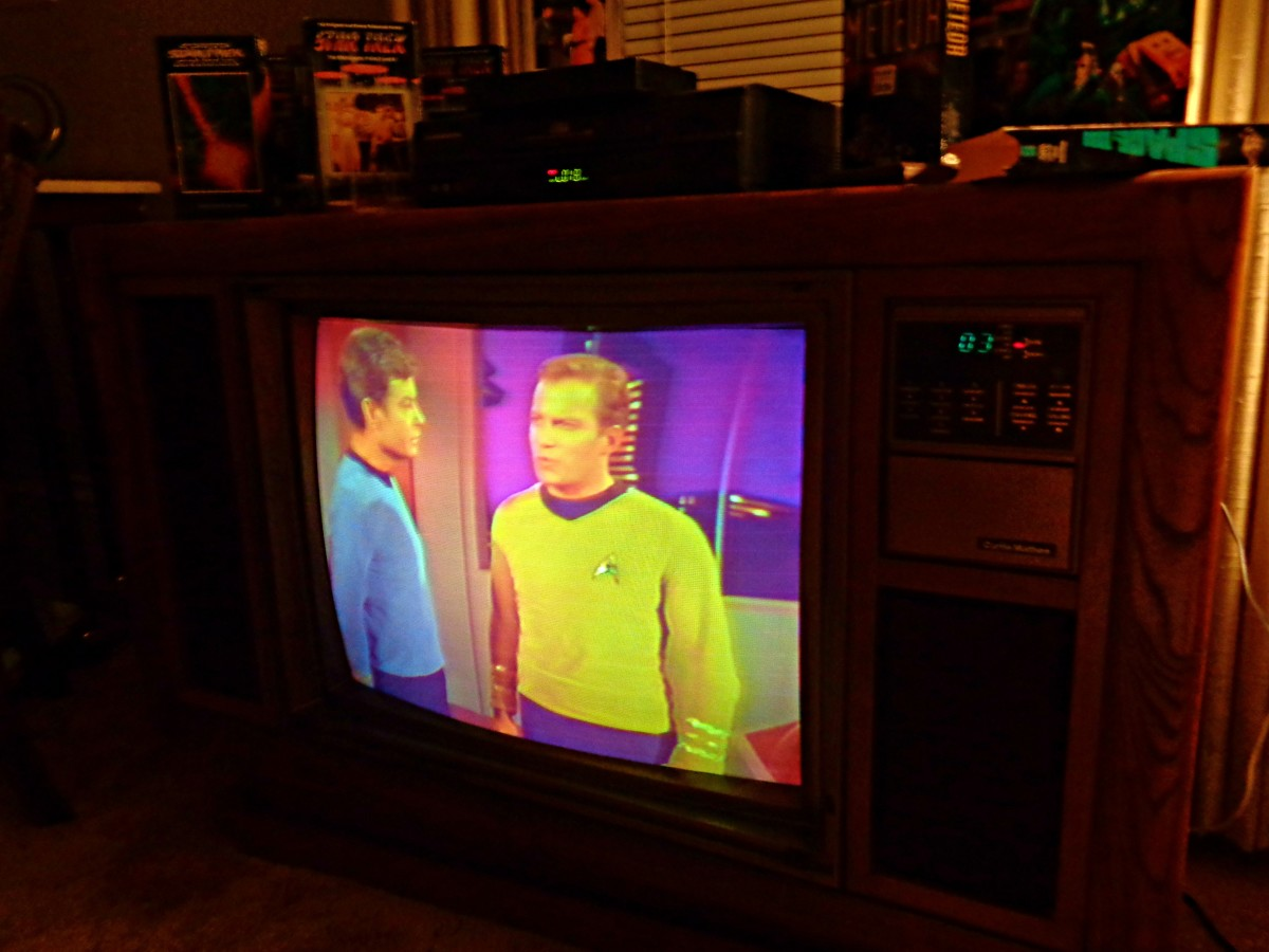 Adjusted the Colors, and they Are Popping on the 1985 Curtis Mathes ... Spock and Kirk are bright and beautiful again on the 1985 Curtis Mathes color television console, model K2658RL.  It feels like the 1960s again, what amazing soft pastels.