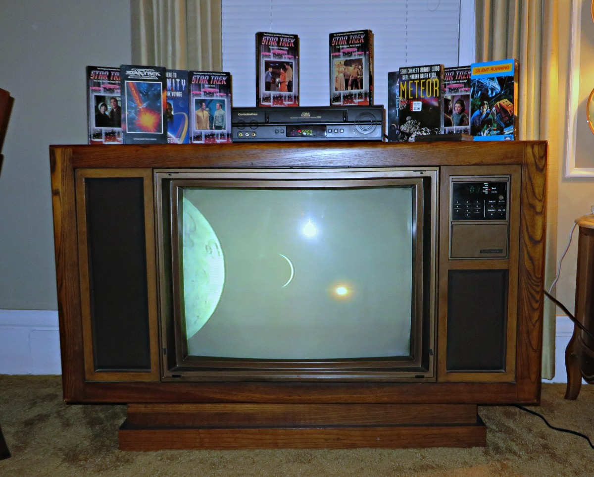 Space 1999 VHS tape, Playing on the 1985 Curtis Mathes Console by a Curtis Mathes VCR tape player in the year 2018.