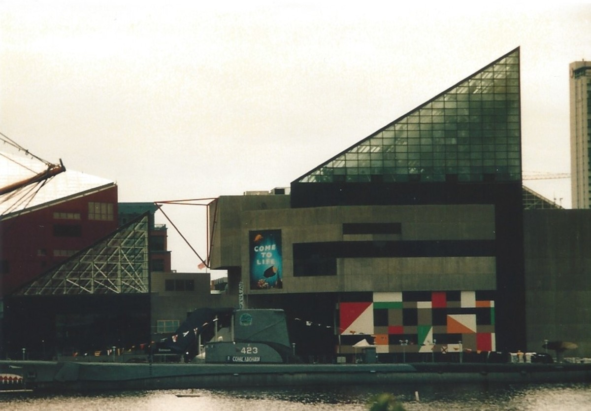 The USS Torsk with the National Aquarium in the background.