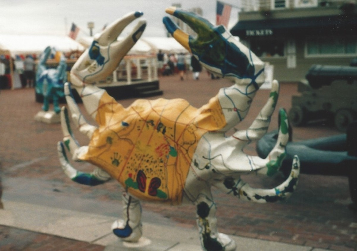 Crab statues at the Inner Harbor, 2005.  Animal statues in public places was a fad at the time.  Maryland is famous for its blue crabs so crab statues seemed an obvious choice for crab statues.