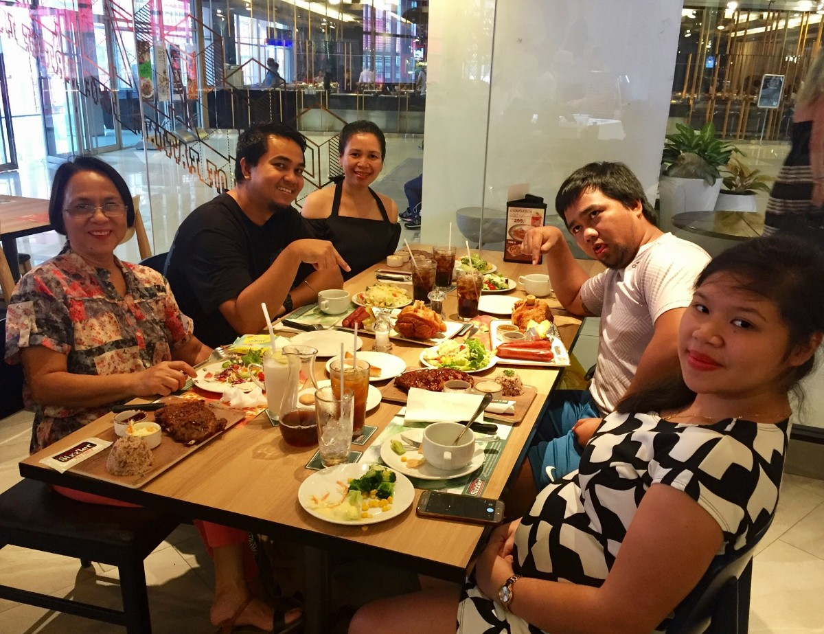 Our family at Sizzler (Steak, Seafood, Salad) in Central World, Bangkok