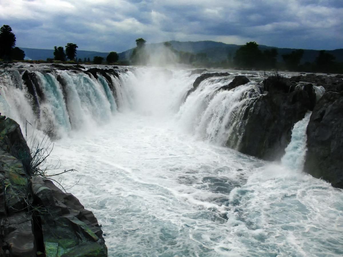 Hogenakkal, the Niagara of India