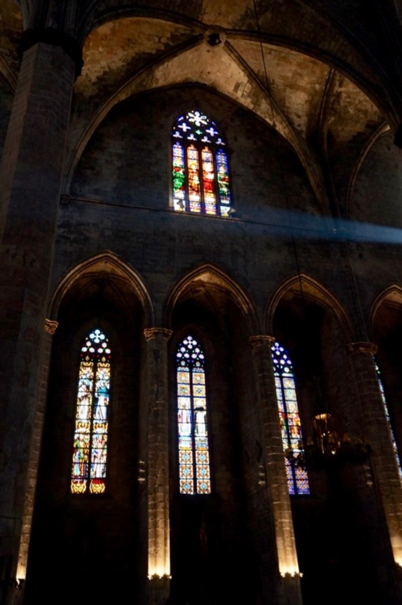 Windows of Santa Maria del Mar