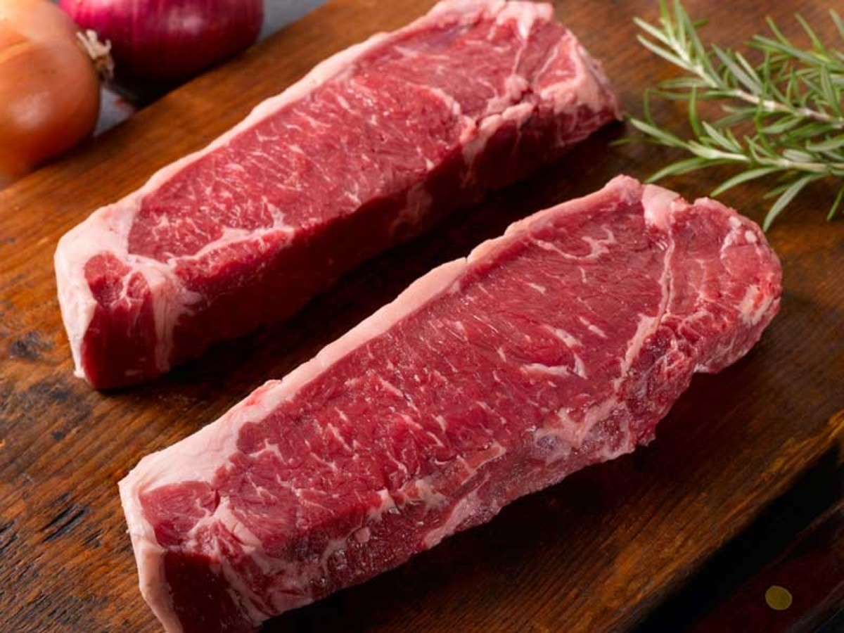 Thick cut, marbling, trimmed fat, nice red color is what we are looking for