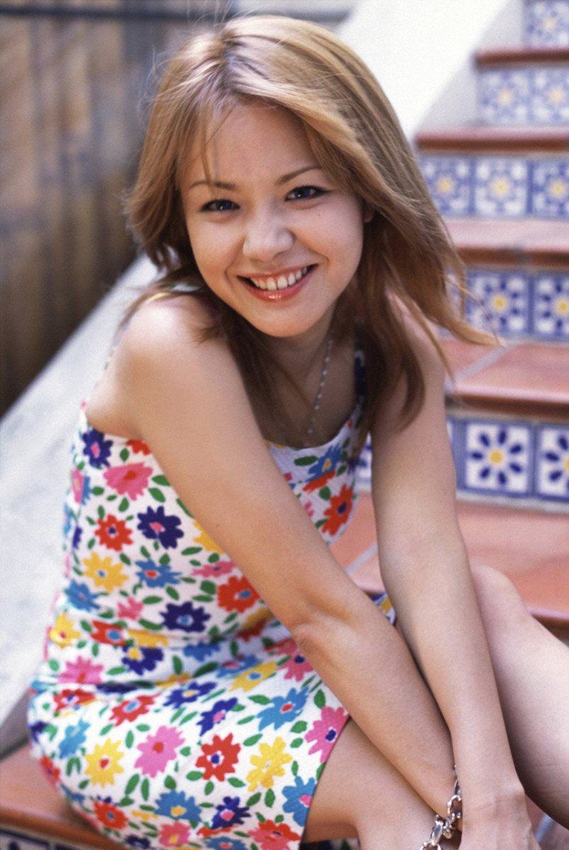 yuko-nakazawa-feather-how-i-feel-about-this-kind-of-woman-photo-book-gallery