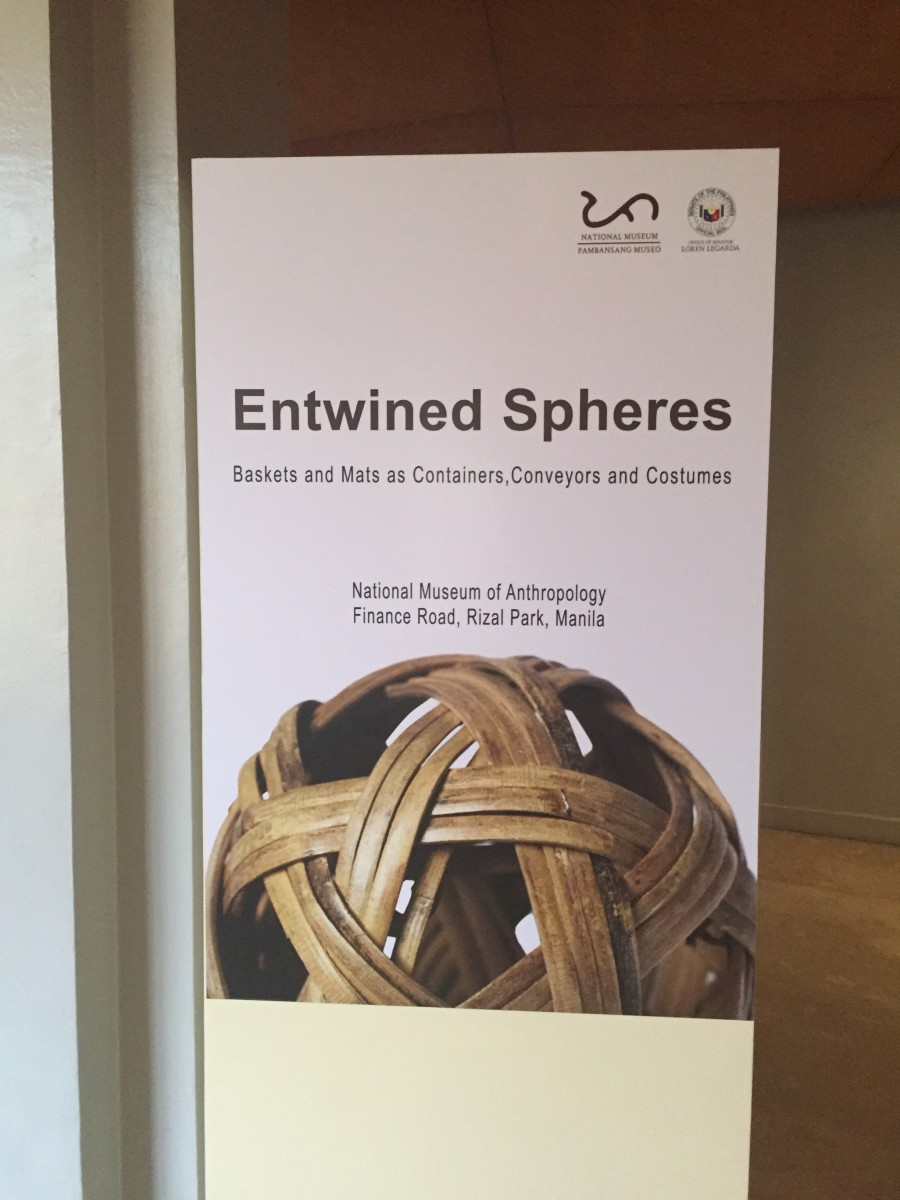 Entwined Spheres: Mats and Baskets as Containers, Costumes and Conveyors