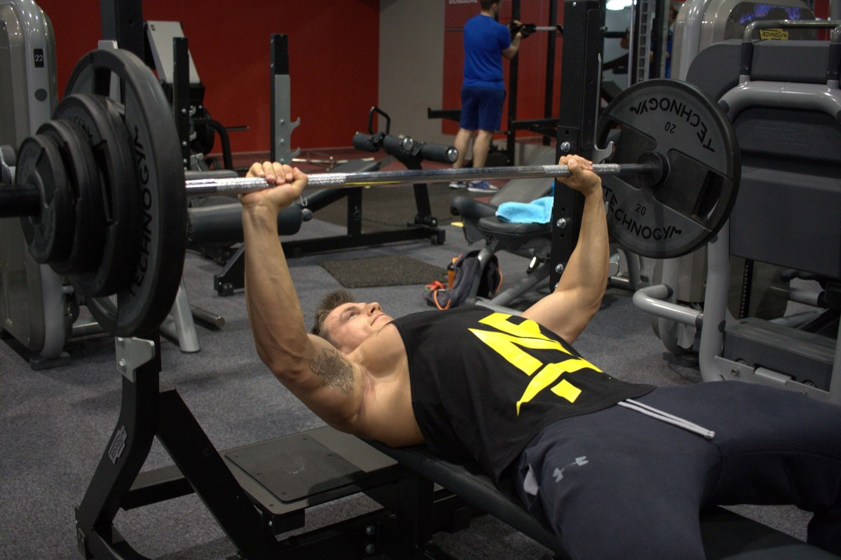 How Much You Can Bench Press Is the #1 Indicator of Strength: Myth or Truth?