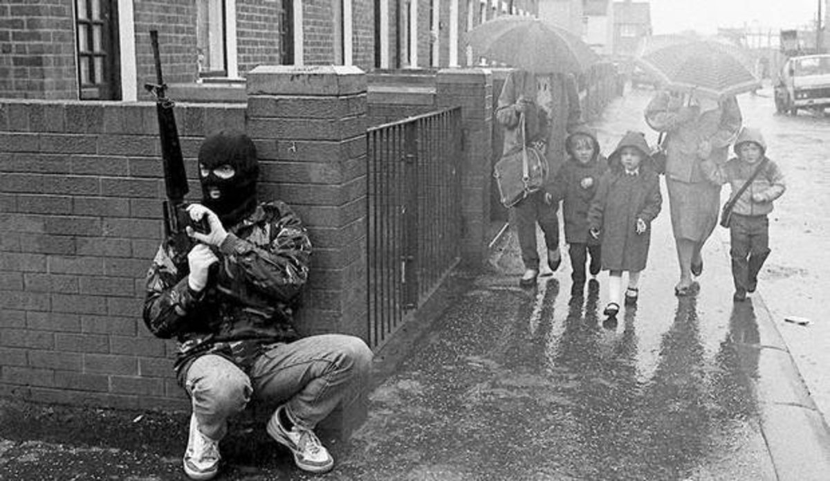 IRA volunteer with AR15 in West Belfast