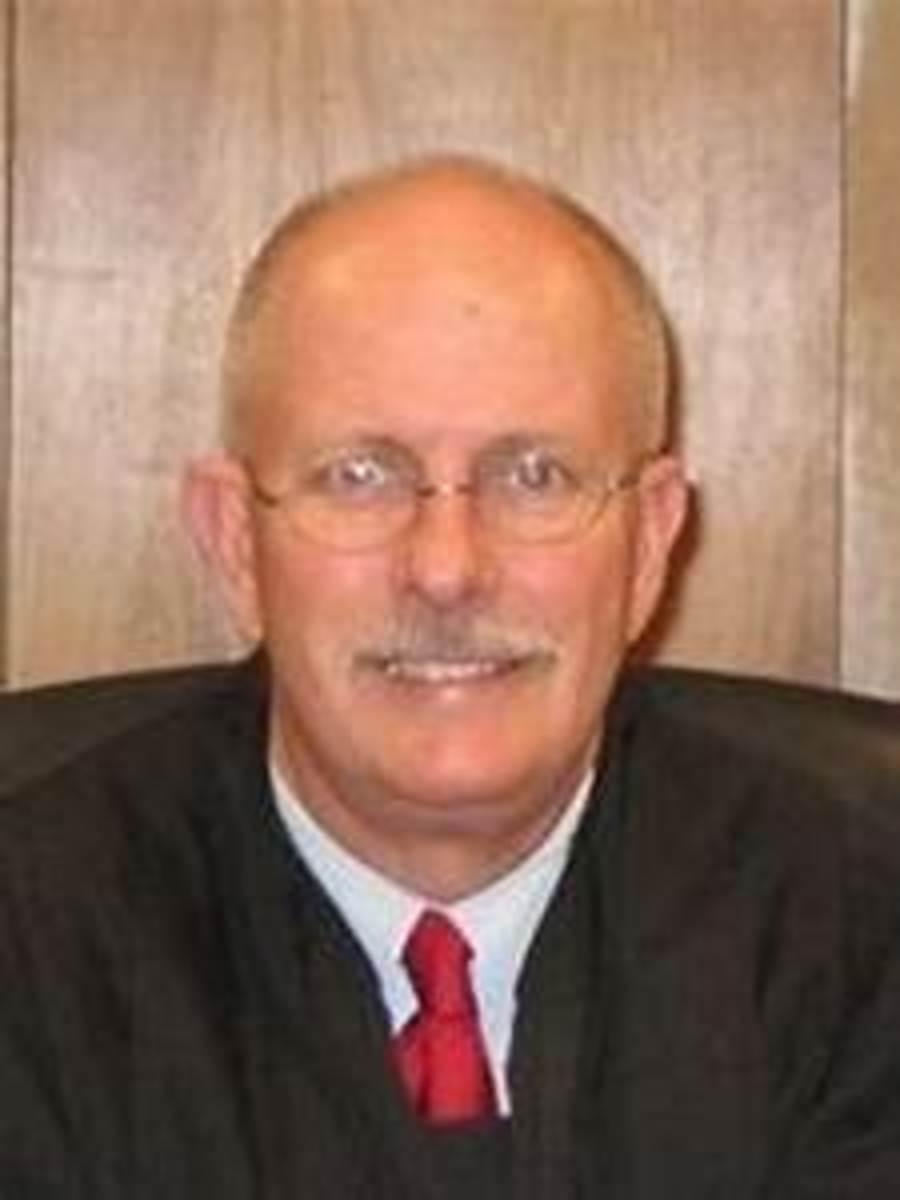 dallas-police-officer-murder-case-takes-new-twist-as-visiting-judge-bob-brotherton-recuses-original-judge