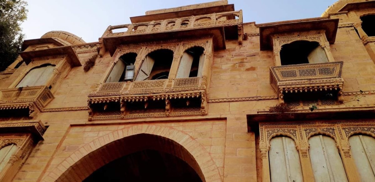 The huge gate or darwaza, towards the Gadisar lake, Jaisalmer, Rajasthan