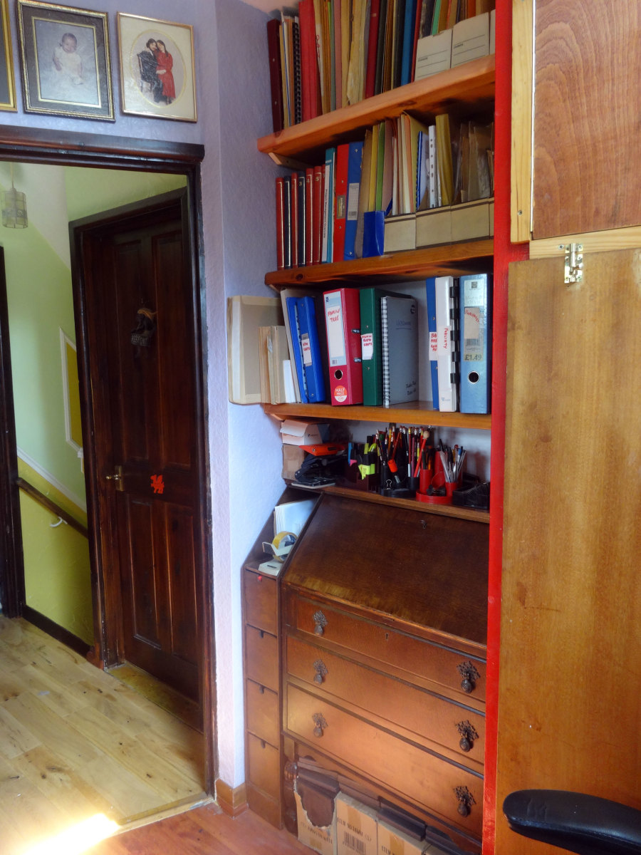 With all the modifications and repairs done to the alcove, the writing desk bureau I previously restored, and the narrow 4-drawer unit I made to fit the gap, could finally be fitted in place; and the new alcove shelves filled
