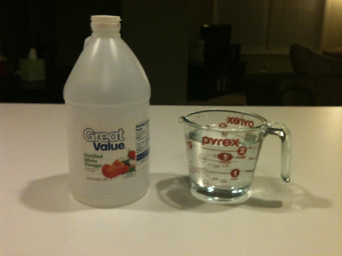 Cheap baby wipe recipe: vinegar and water