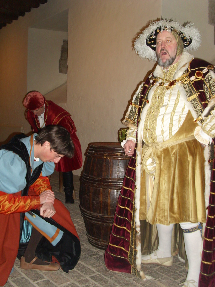 King Henry VIII and his men