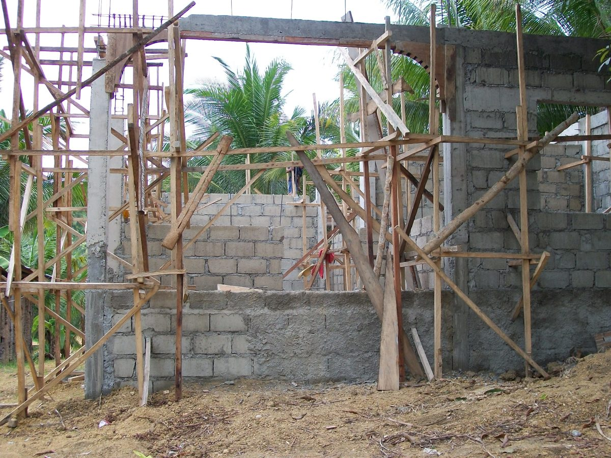 Building a cheap house in the philippines hubpages for Cheapest house foundation