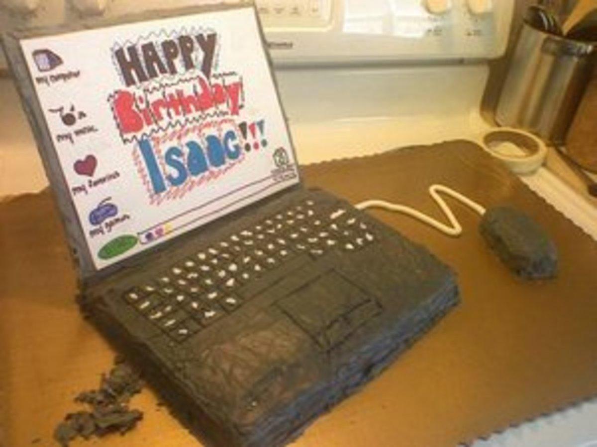 Laptop Cake (ICKYintimidation)