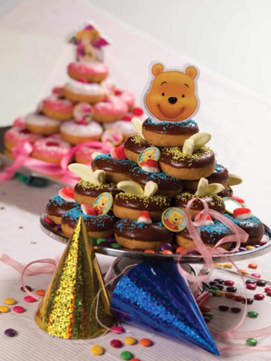 Happy Dounut King Cake