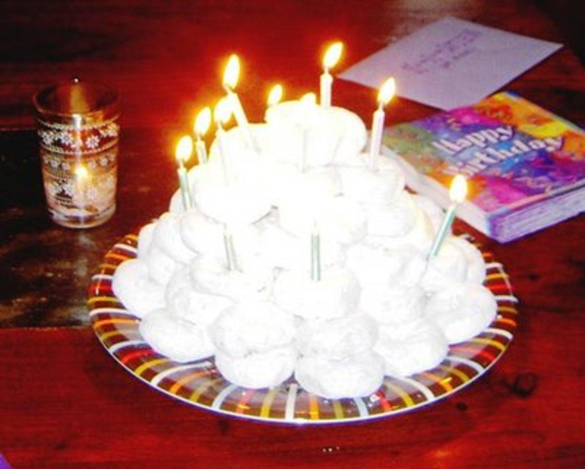Powdered Donut Birthday Cake iampokerface.blogspot.com