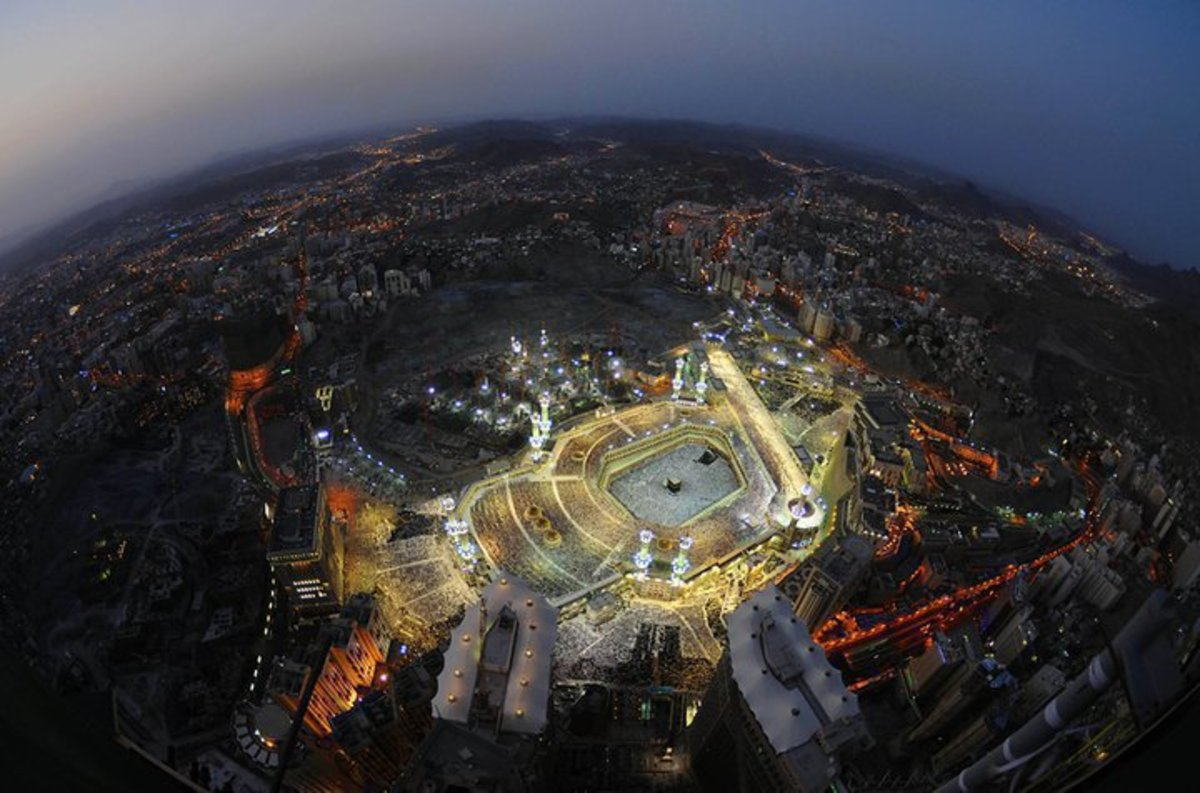 An amazingly breathtaking image of Makkah in Saudi Arabia from the top of the Royal Clock Tower.