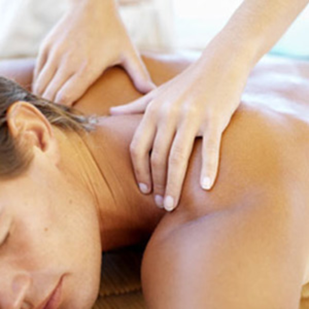 the point where the neck and back meets the spine is one of the main acupressure point for lovers