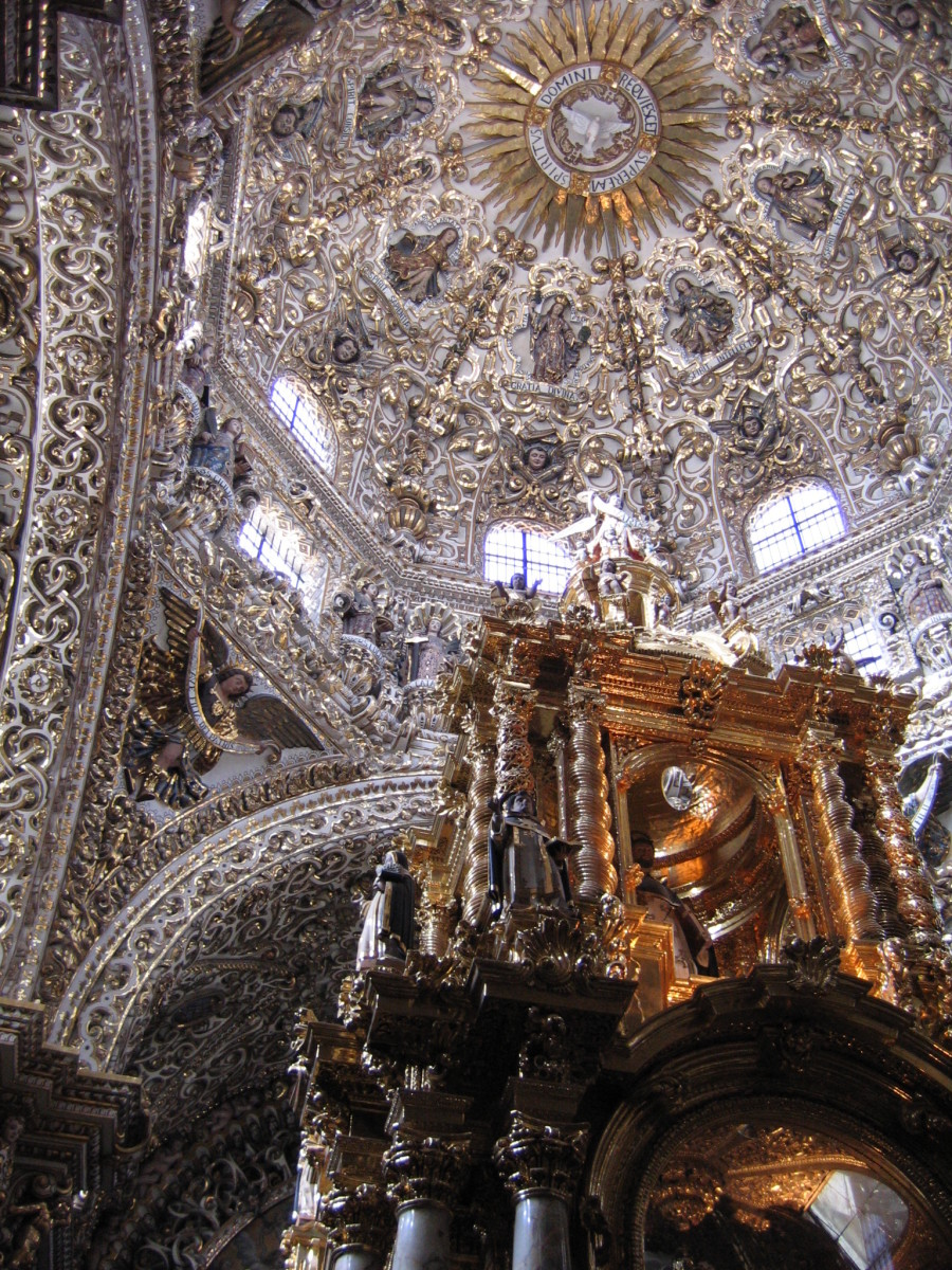 BAROQUE ROSARIO CHAPEL IN PUEBLA, MEXICO