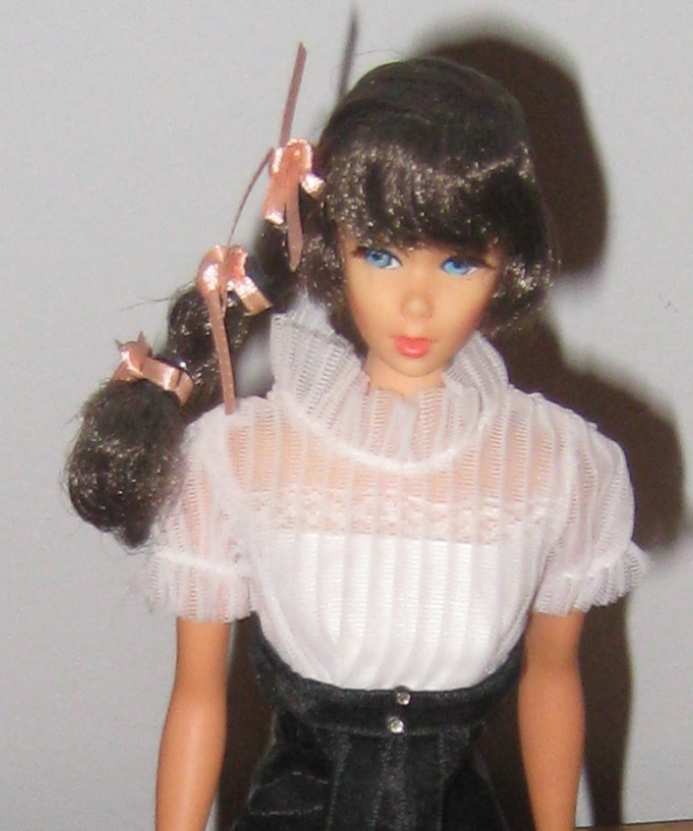 Barbie Doll's Fashionable Wardrobe: 1968