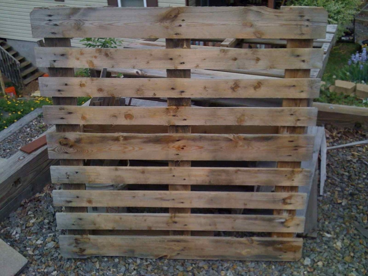 This will be the next pallet project.  It is going to become a bench for my garden.