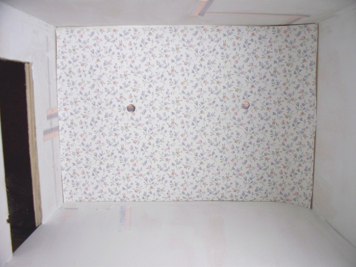 Dry Fitting Back Wallpaper