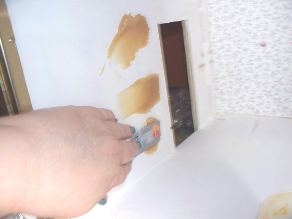 Globbing Wallpaper Paste