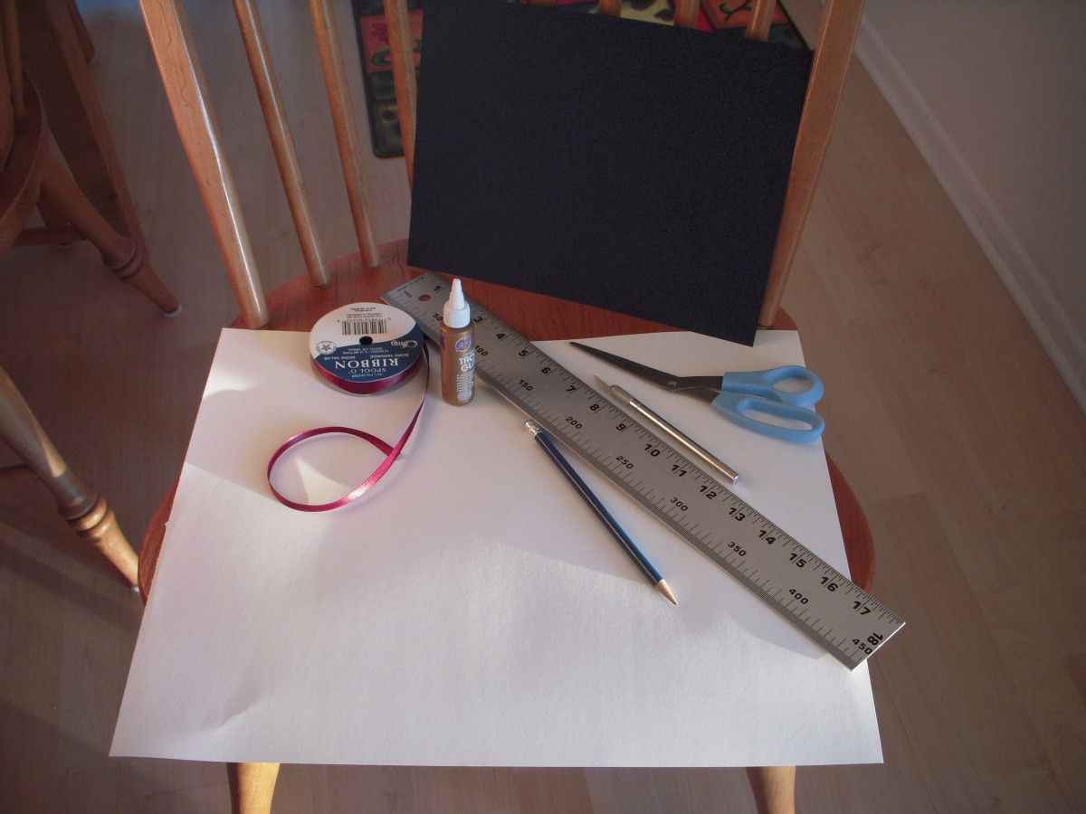 Materials to make a sewing-free book
