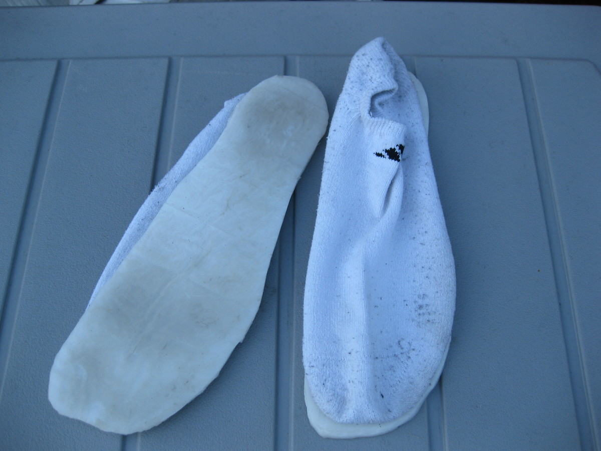 Minimalist Running Socks - Socks with Rubber Soles.  A Barefoot Running Alternative.
