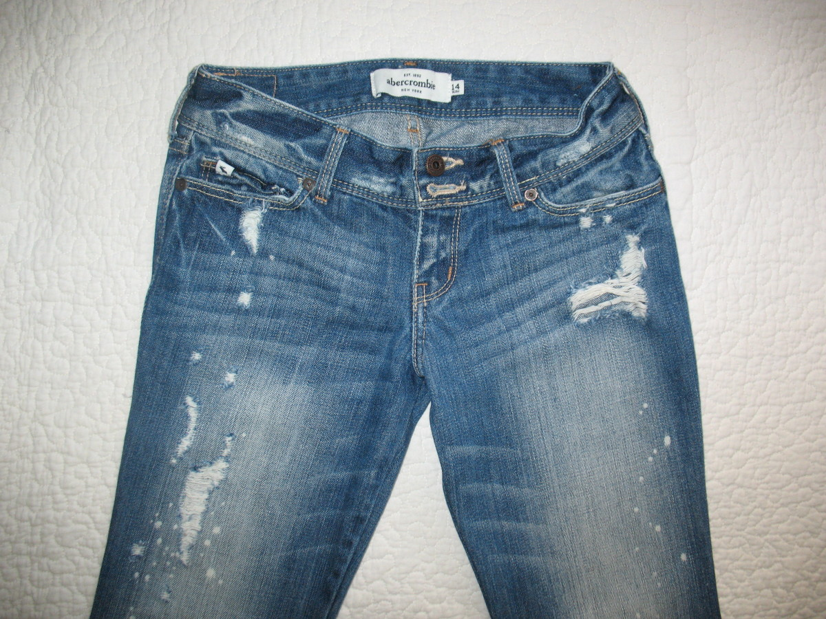 Take clear photos of your jeans for your listings.  A minimum of two photos are necessary, to show the front and back of the jeans.