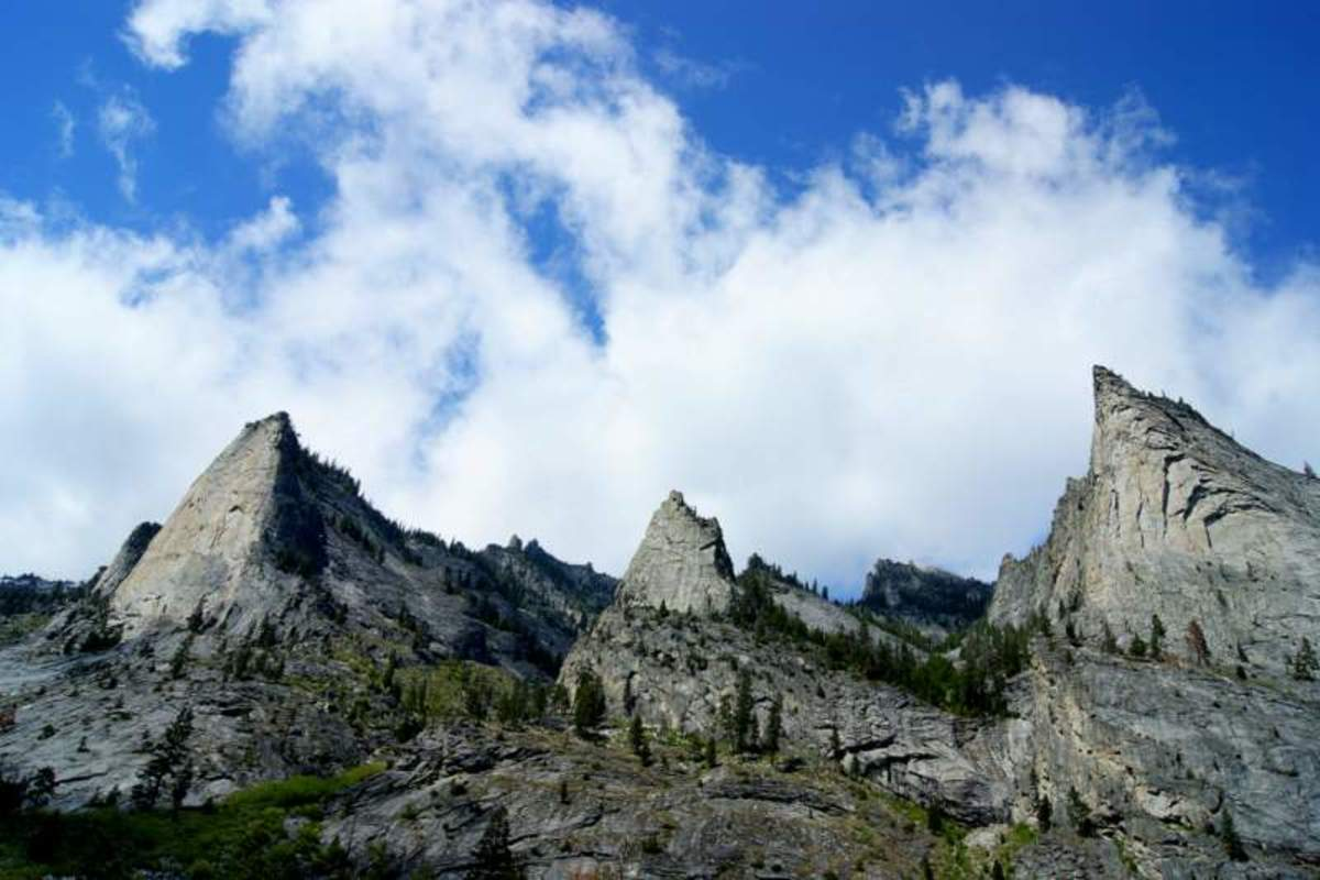 Three peaks along the trail in Blodgett Canyon
